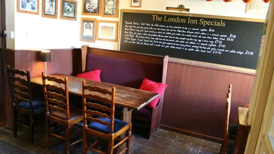 The London Inn at Horrabridge - Good Pub Food.