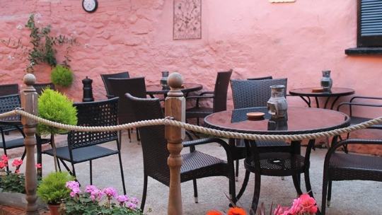 RESTAURANTS IN CREDITON
